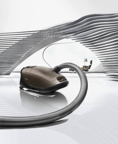 Model: 41GPE030USA | Miele Vacuum Complete C3 Brilliant PowerLine - SGPE0