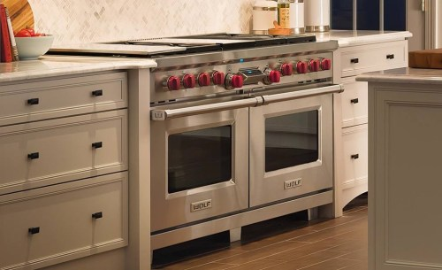 "Model: DF606CG-LP | Wolf Legacy Model - 60"" Dual Fuel Range - 6 Burners, Infrared Charbroiler and Infrared Griddle"